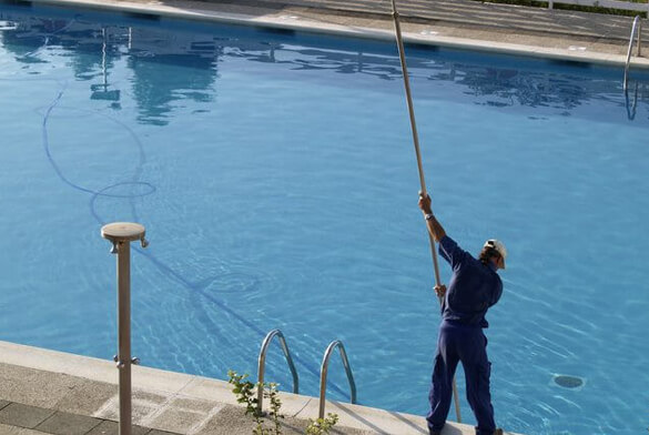 Certified Swimming Pool Technicians in Land O Lakes FL